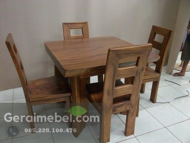 meja makan cafe kayu