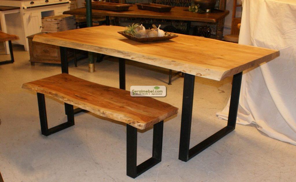 meja makan trembesi kaki besi, meja kaki besi, meja trembesi kaki besi, meja natural kaki besi, meja solid kaki besi
